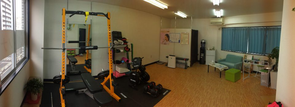 パーソナルトレーニングとは、マンツーマンでのトレーニング指導です♬ Suitableではウェイトトレーニングや自体重を使ったトレーニングなど、その方に合わせた運動プログラムをご提供します!!